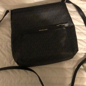 MK crossbody excellent used condition